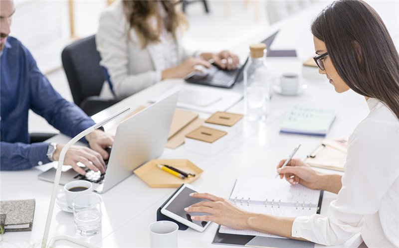东莞网站优化技巧企业网站发外链的方式